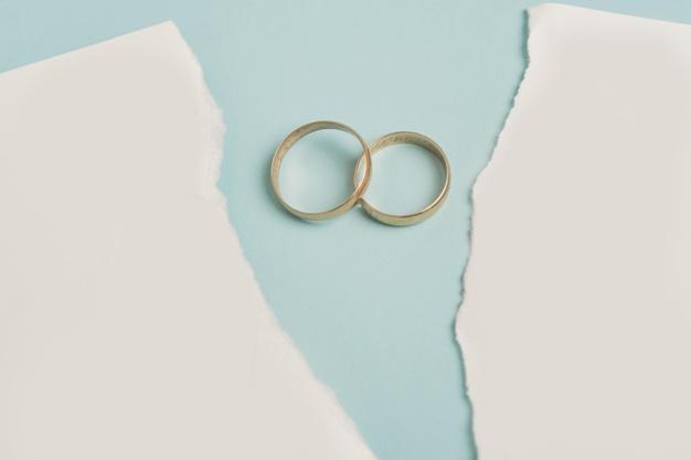 concepto divorcio anillos boda 23 2148653746