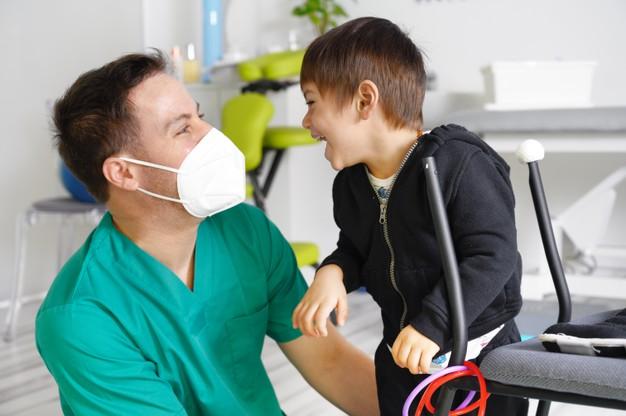 nino paralisis cerebral fisioterapia centro terapia infantil 56854 3578